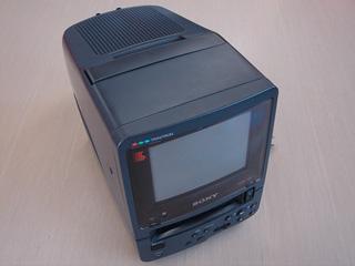 古っ!過去の遺物8ミリビデオ内蔵テレビ。。。