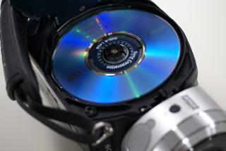DVDハイビジョンハンディカム「HDR-UX1」を一足先に触ってきた。
