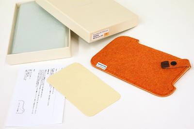Xperia NX & acro HD用buzzhouse design.製ハンドメイドフェルトケースを試す!