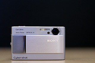 コンパクトでブレない、とっても使いやすいサイバーショット「DSC-T10」