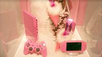 PSPにピンクやシルバーのカラバリが近日発売予定。