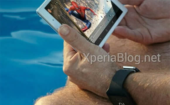 Xperia Z3 Tablet Compactと新しいSmartWatchのプロモ画像。