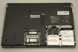 「VAIO typeA プレミアムブラック」のメモリ&HDD交換。